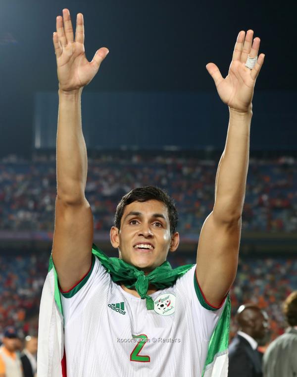 مدافع المنتخب الجزائري ماندي يكشف اصعب اللحظات امام السنغال