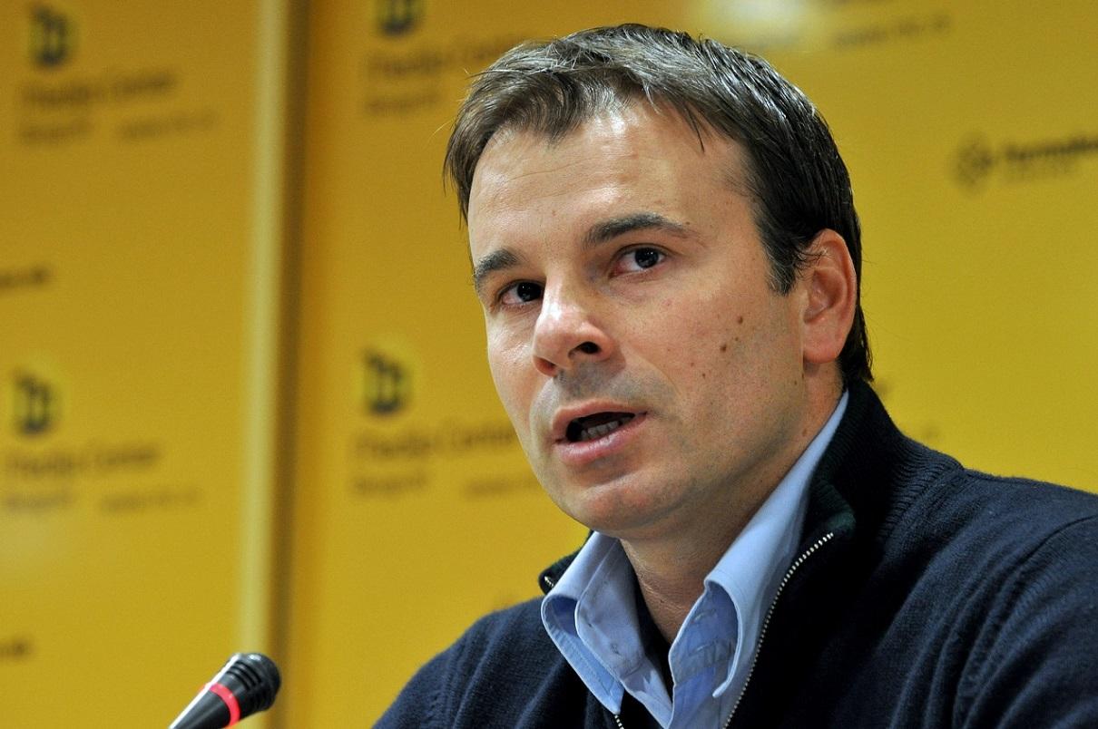 الزمالك يعلن التعاقد مع الصربي ستانوفيتش