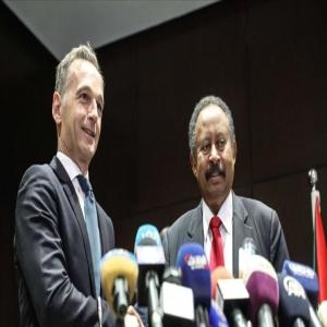 حمدوك: تفاهمات مع واشنطن لرفع اسم السودان من قائمة الإرهاب