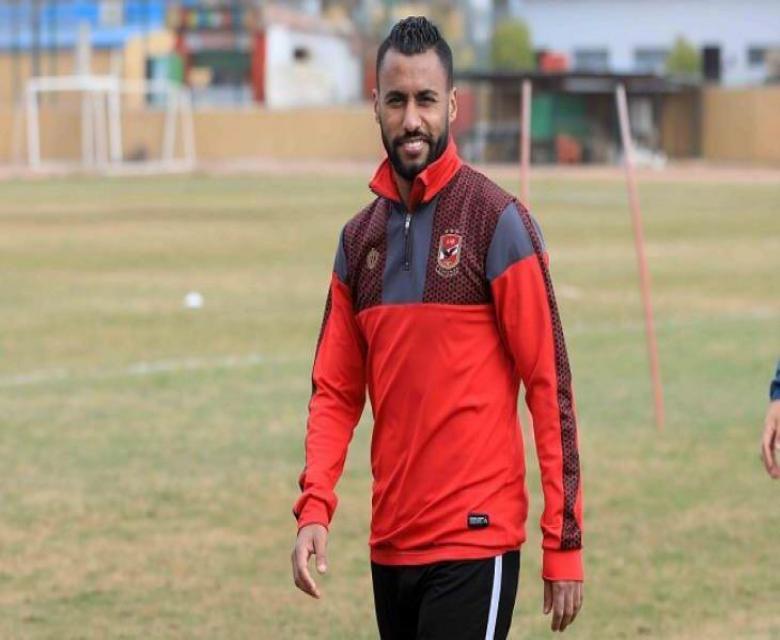 الأهلي المصري يعاقب قائده حسام عاشور
