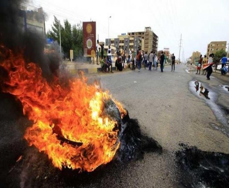 مظاهرات عنيفة في كسلا وحريق بسبب الغلاء الفاحش والخبز