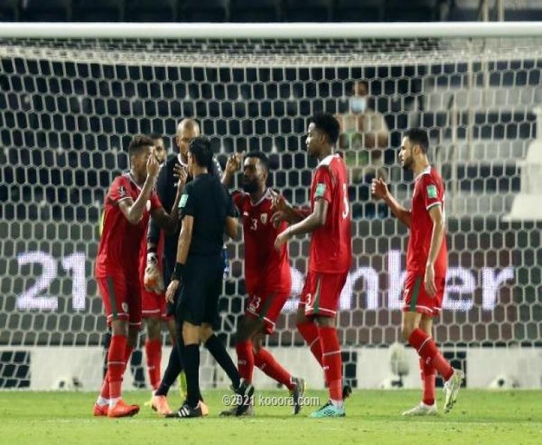 حارس عمان يعبر عن حزنه على الهزيمة من قطر