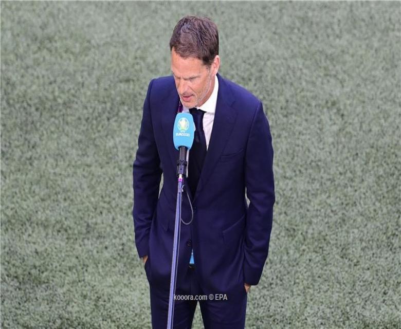مدرب هولندا دي بوير: سقوط إريكسن أعاد لنا ذكريات مروعة