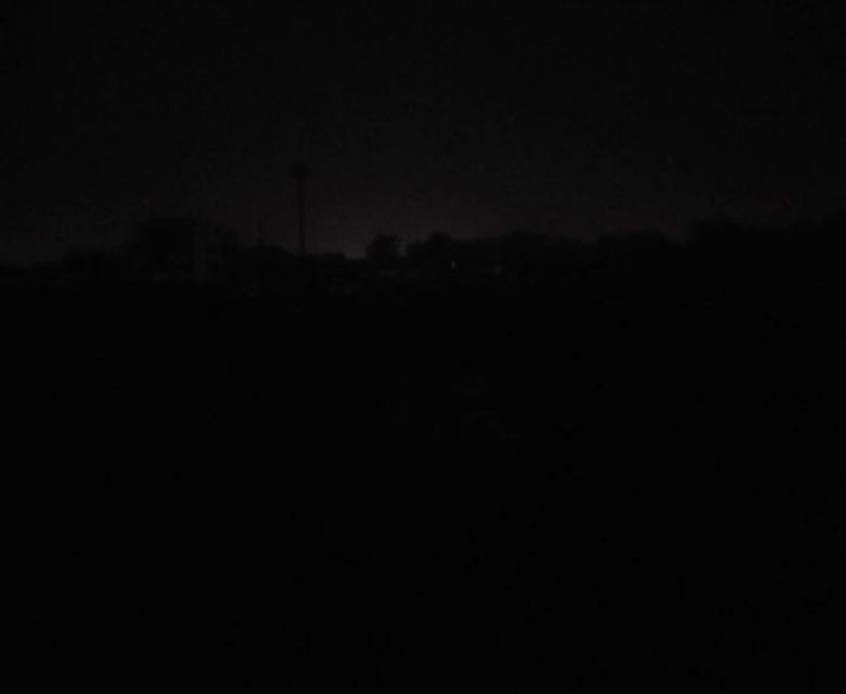 التيار الكهربائي يجبر صقور الجدياان على الجري حول الملعب