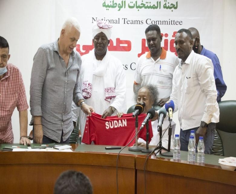 برقو: مباراتا المنتخب ستقامان في أغادير