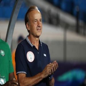 روهر مدرب نيجيريا: خسرنا رهان الارهاق امام الجزائر