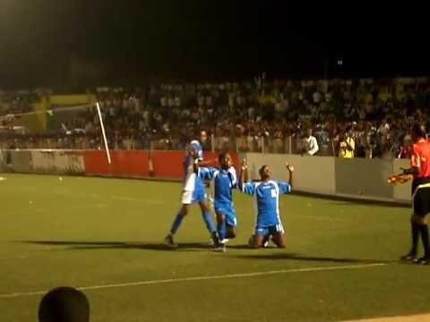 هدف الهلال في مرمى النسور  1 / 0 ممتاز 2012